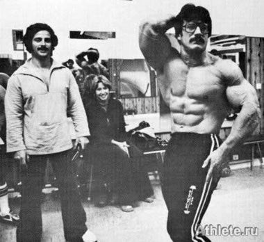 Thickly Built Mike Mentzer