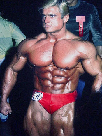 Tom Platz backstage at the 1981 Olympia