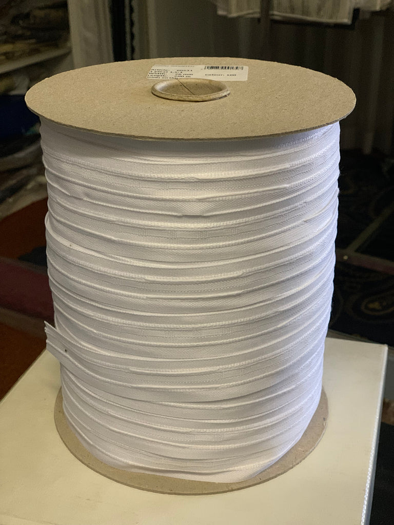 26mm wide, 1.5:1 fullness, one pleat tape - Sold by the roll