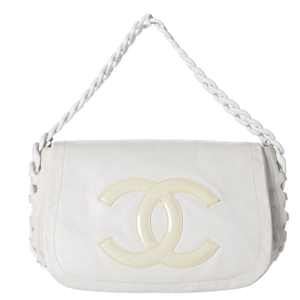 Chanel White Lambskin Large Shoulder Bag. Gorgeous! Coco et Louis