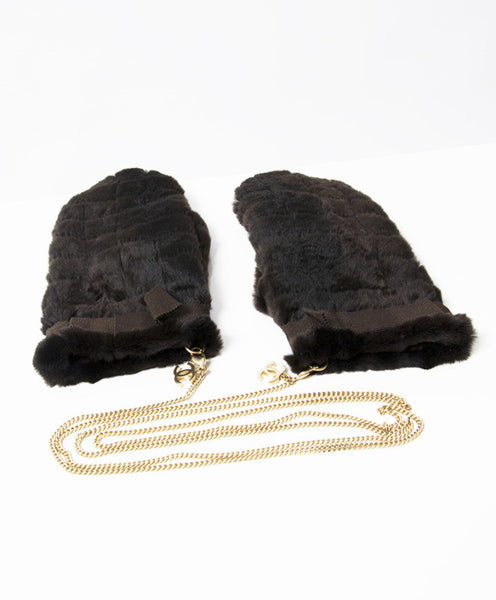 Chanel Mink Gloves w/ Gold CC Chain. Size S. Classy! Coco et Louis