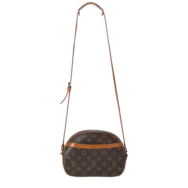 Louis Vuitton Monogram Blois Crossbody Bag. Darling! Coco et Louis