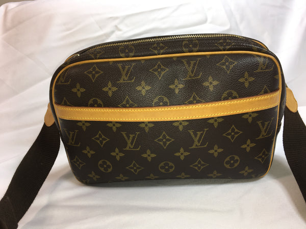 SOLD - Louis Vuitton Reporter GM. Fabulous!