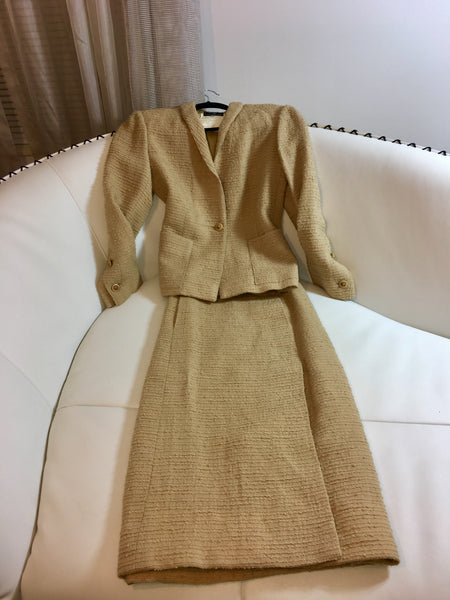 Chanel Suit Size 8. Vintage!