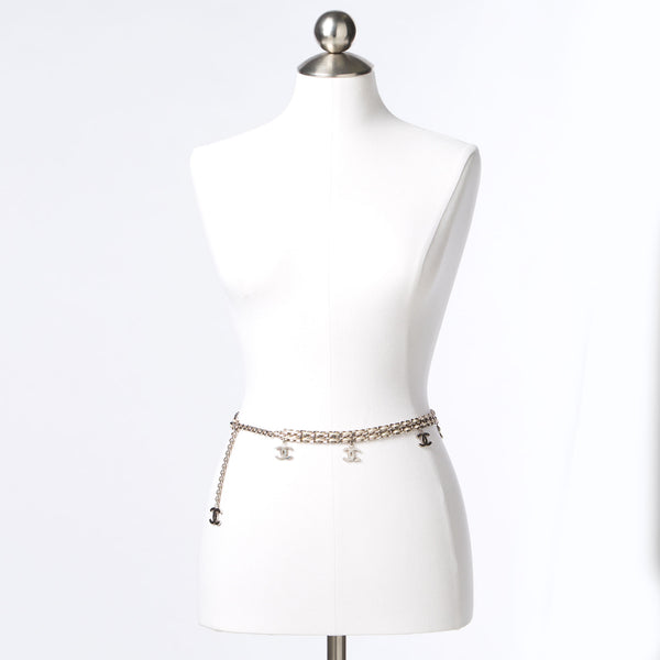Chanel White Lambskin Leather + Silver Chain Belt. Show Piece! Coco et Louis