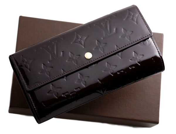 SOLD - Louis Vuitton Amarente Sarah Wallet/Clutch. Beautiful! Coco et Louis