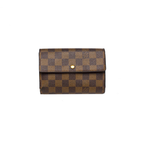 Sold -Louis Vuitton Amarente Zippy Coin.  Lovely!
