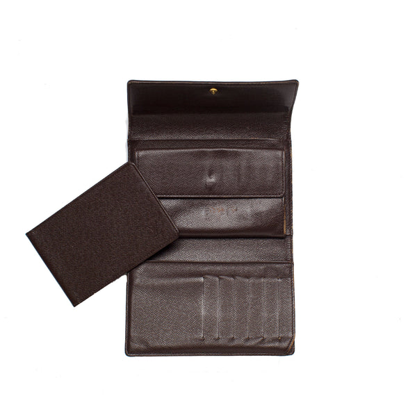 Sold -Louis Vuitton Damier Signature Canvas Snap Wallet. Lovely! Coco et Louis