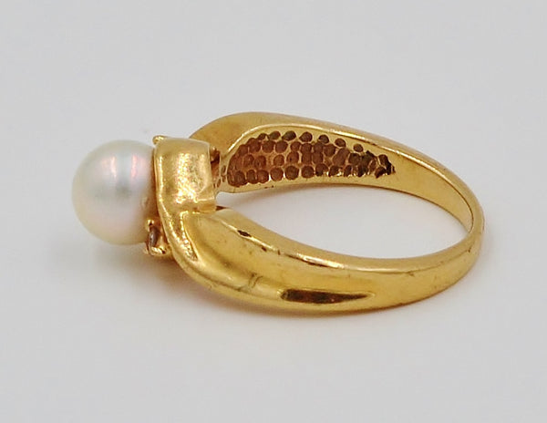 Yellow Gold Pearl & Diamond 10K Ring.  Size 5 - Coco et Louis - 4