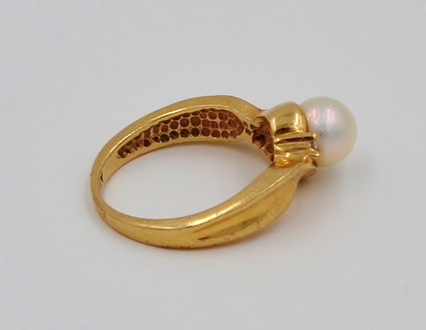 Yellow Gold Pearl & Diamond 10K Ring.  Size 5 - Coco et Louis - 5