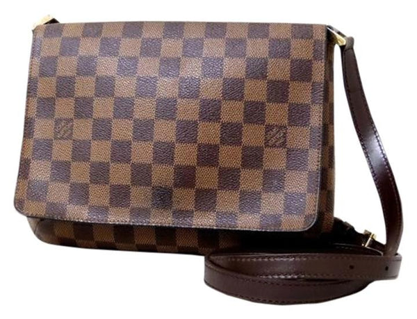 7c27a785b7c2 Sold -Louis Vuitton Damier Musette Flap Bag. Stylish! – Coco et Louis