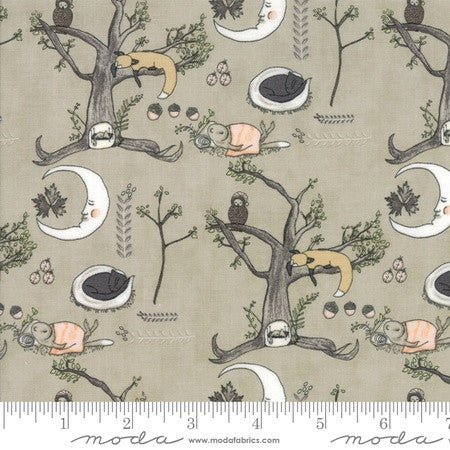 Moda Hushabye Hollow Woodland Scene Moonbeam