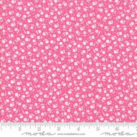 {New Arrival} Moda Guest Room Small Flowers Toss Raspberry Pink