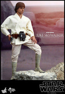 Hot Toys Star Wars Episode IV A New Hope Luke Skywalker Sixth Scale Action Figure