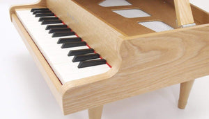 Natural KAWAI grand piano