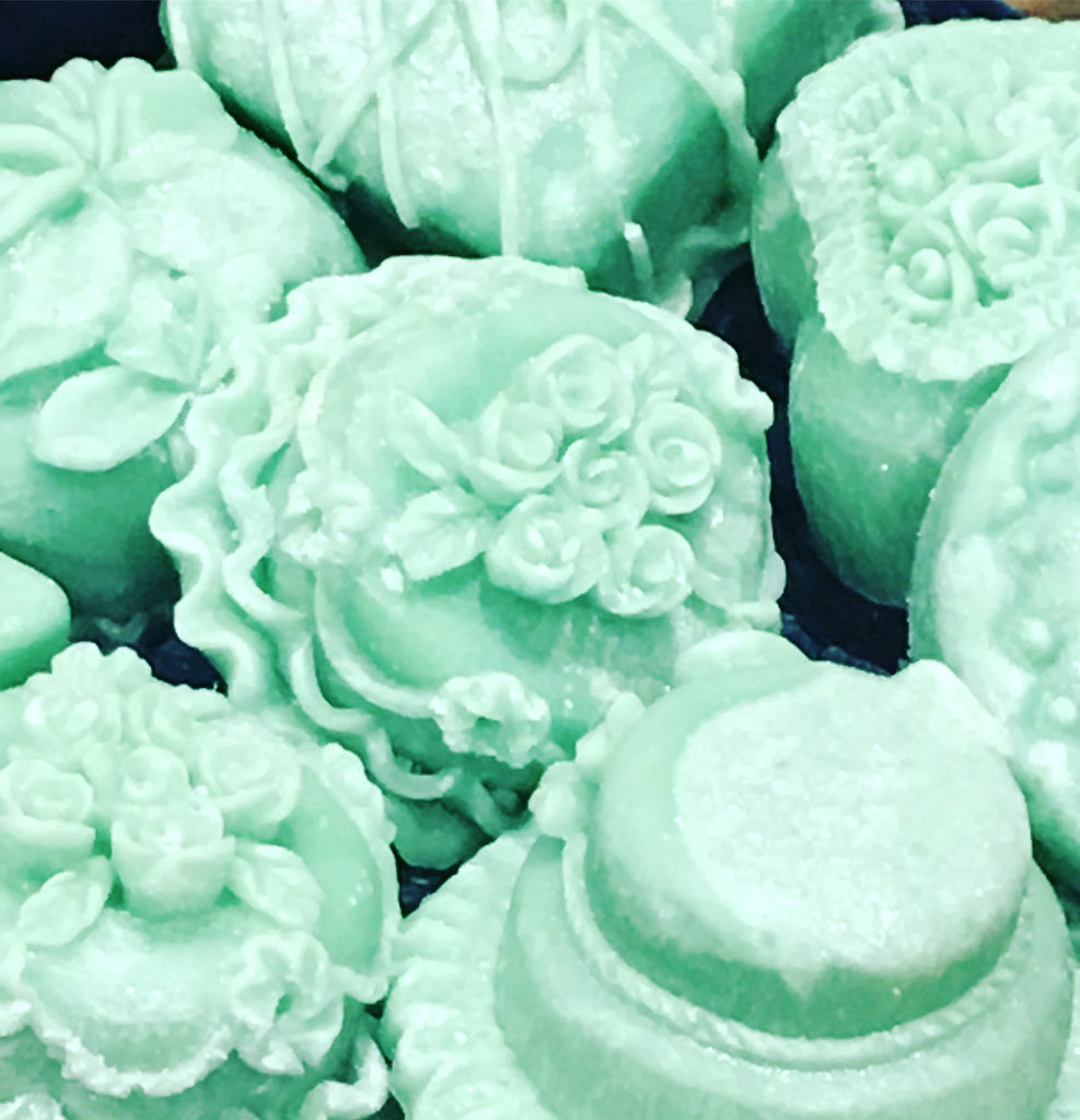 "Petite sweet melts ""Lola"" - Lemongrass lime and a hint of vanilla"