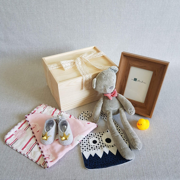 giftbox New Born Baby Gift Box Large 2