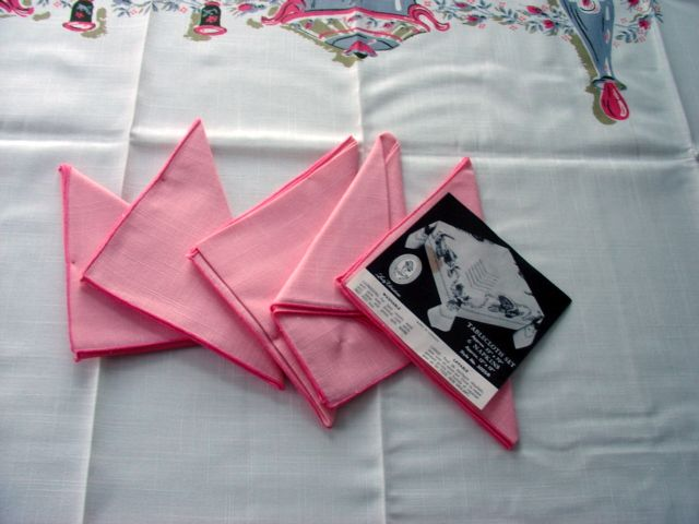 60s Pink Dishes MWT Napkins Vintage Tablecloth (70 X 52 unmeasured)