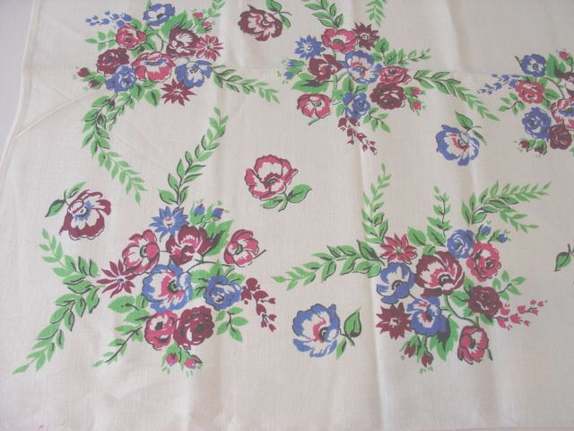 Early Primary Roses Nosegays Linen Floral MWT Vintage Printed Tablecloth (53 X 53)