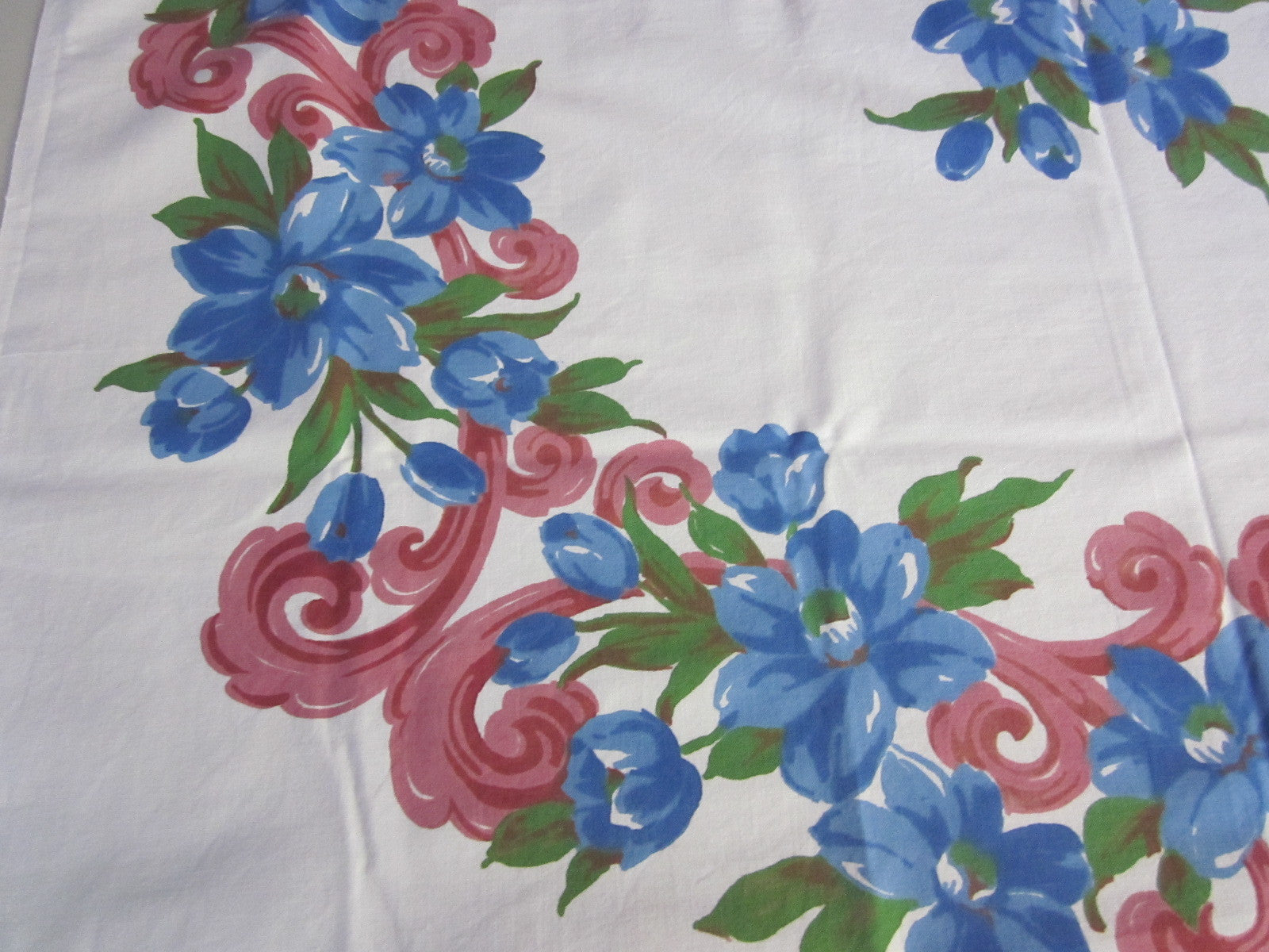 Blue Clematis Pink Scrolls Cutter? Floral Vintage Printed Tablecloth (47 X 46)