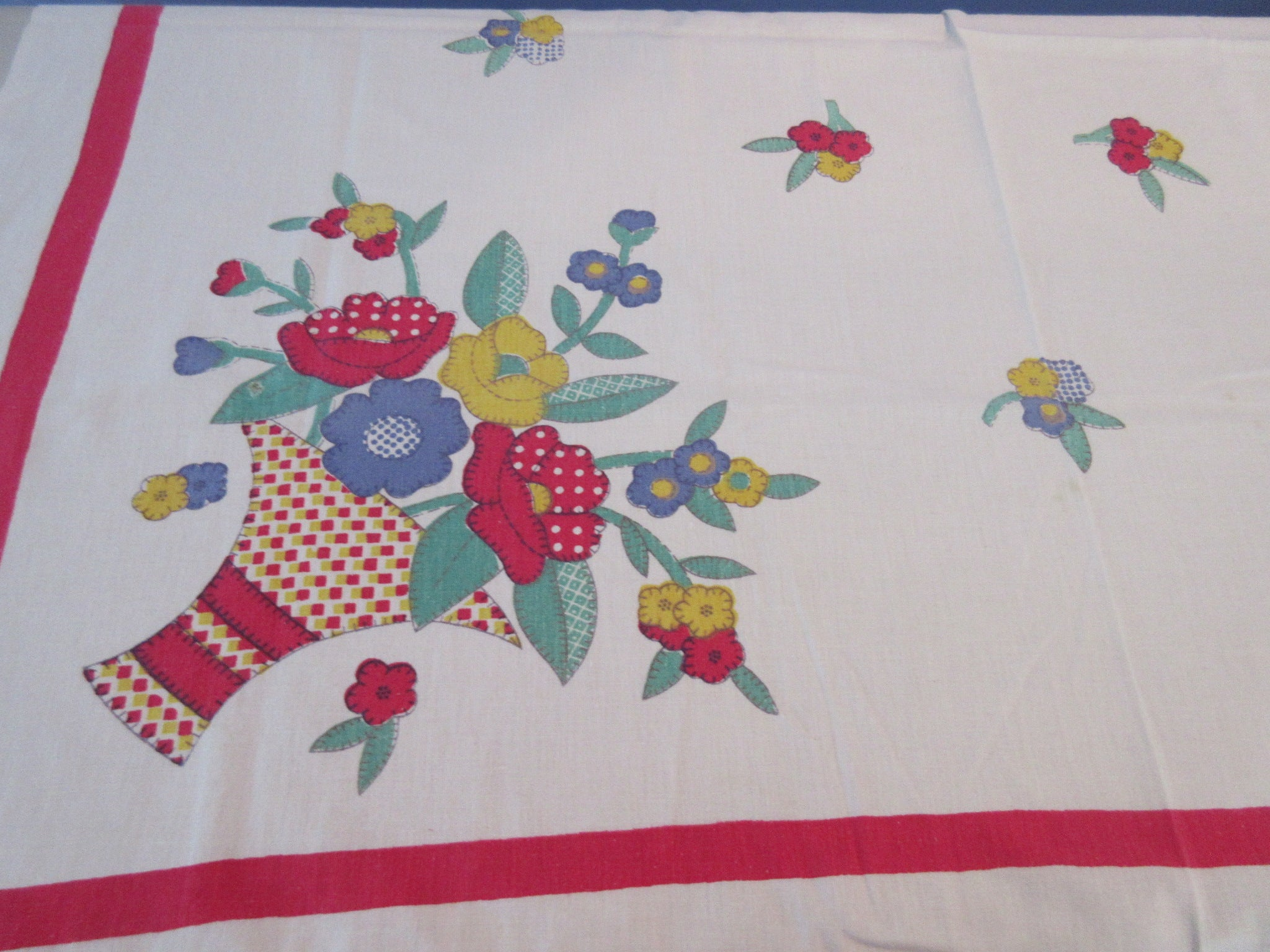 Shabby Primary Quilt Calico Flower Baskets Floral Vintage Printed Tablecloth (50 X 47)