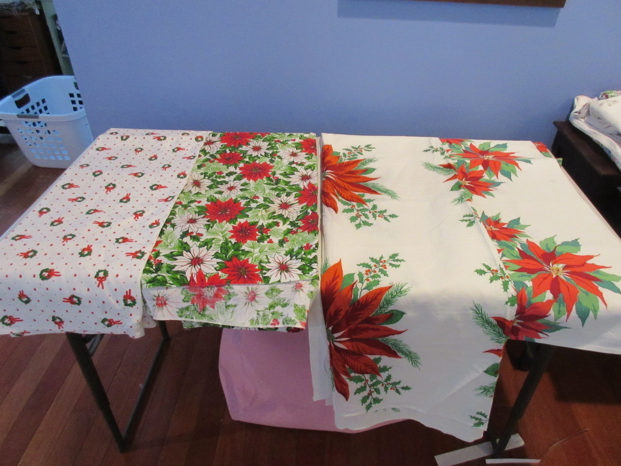 Christmas Cutter Lot YARDAGE Vintage Printed Tablecloth i0670
