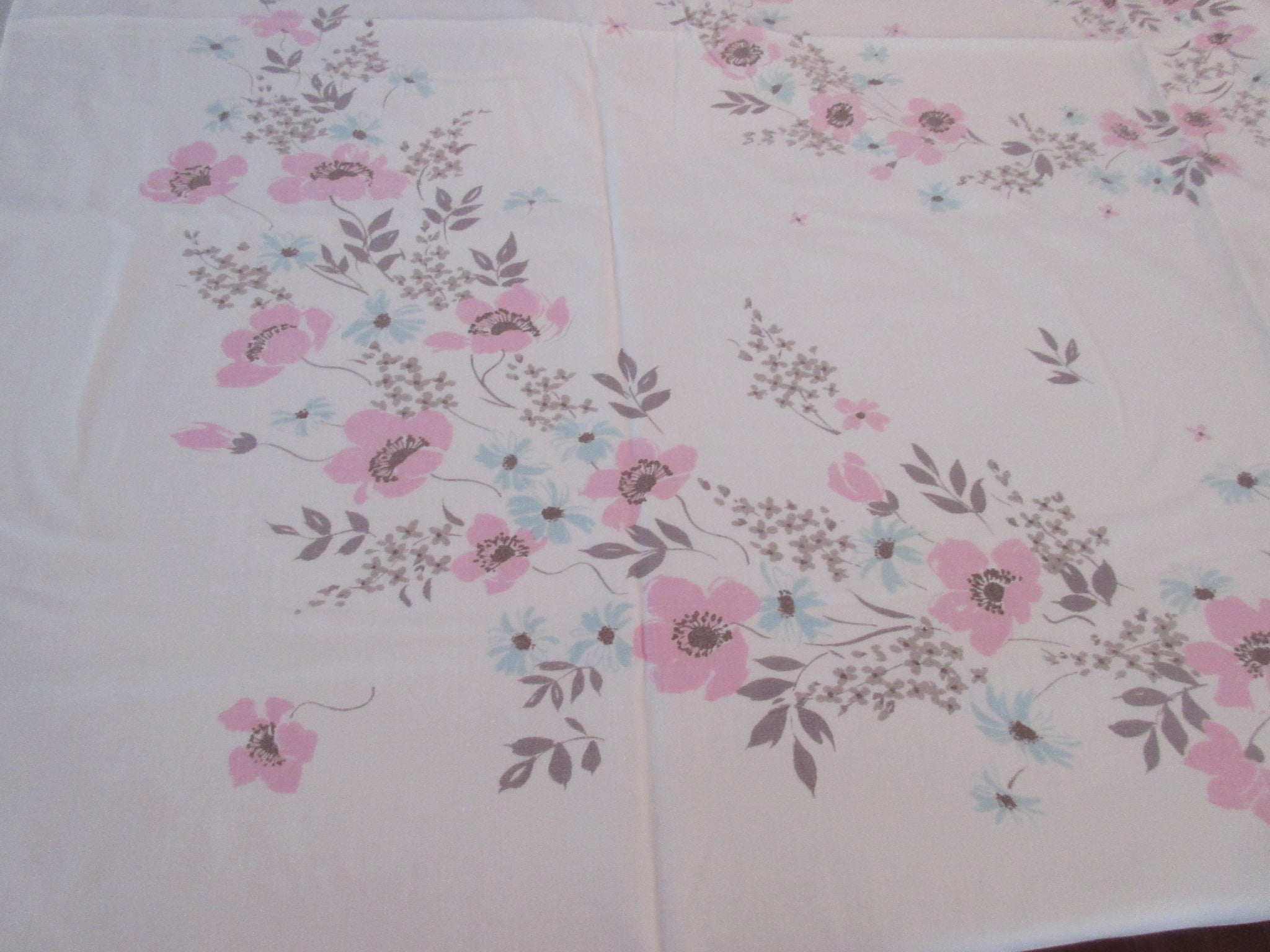 Faded Pink Tan Poppies Blue Daisies Floral Vintage Printed Tablecloth (51 X 42)