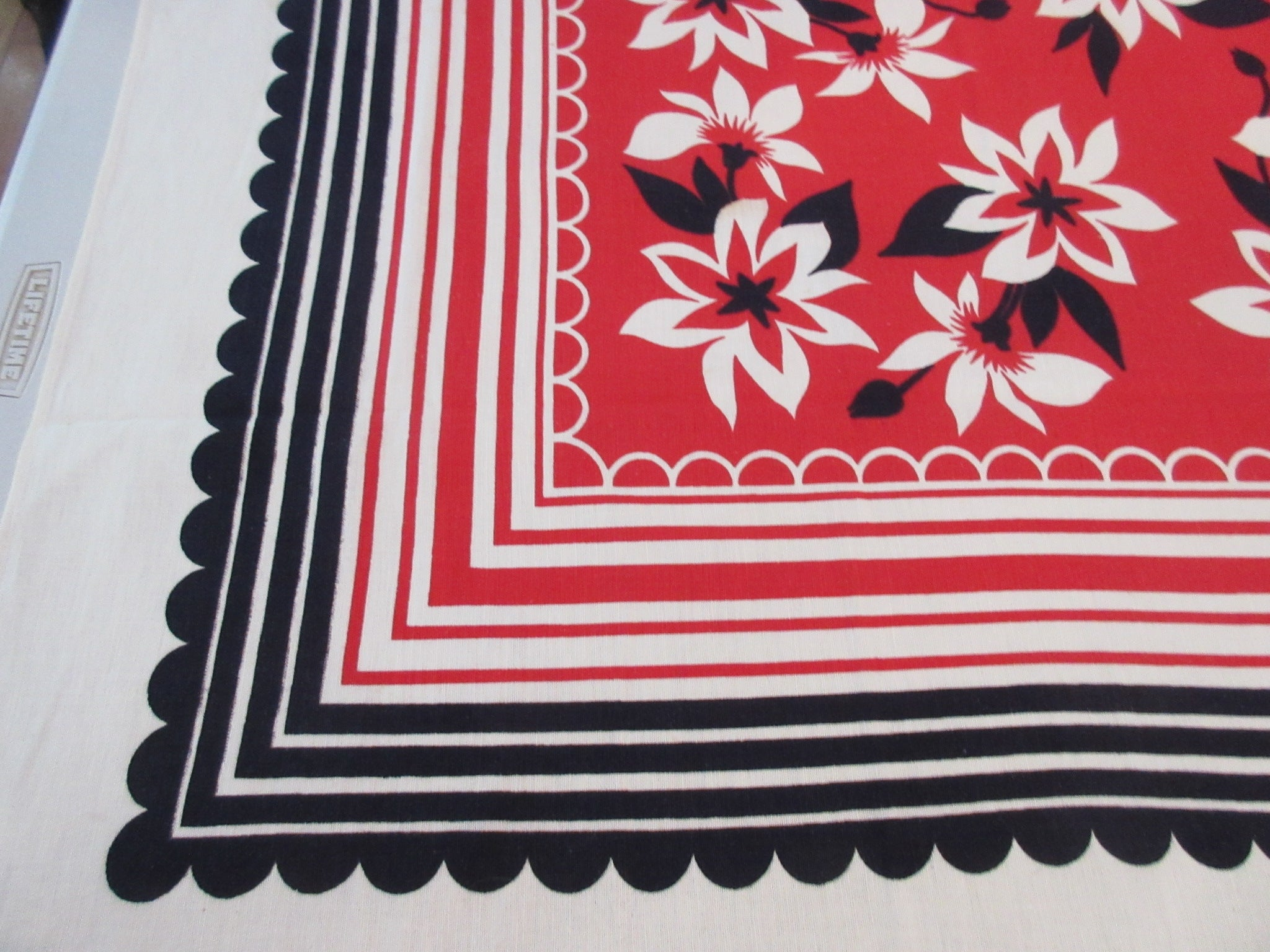 Bold Red Black Dahlias Fence Floral Vintage Printed Tablecloth (60 X 50)