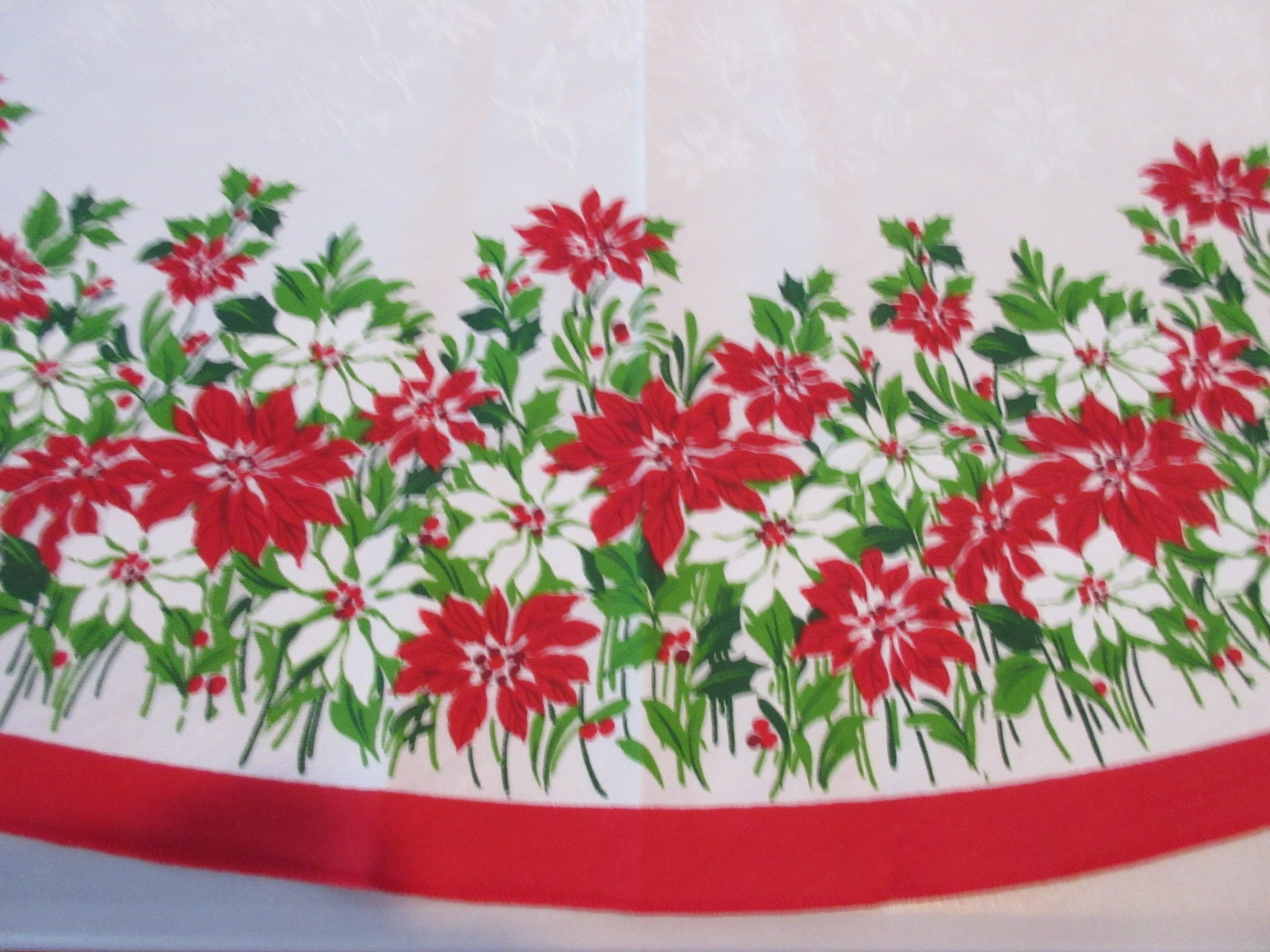 ROUND Christmas Poinsettias NOS Novelty Vintage Printed Tablecloth (70 inches)