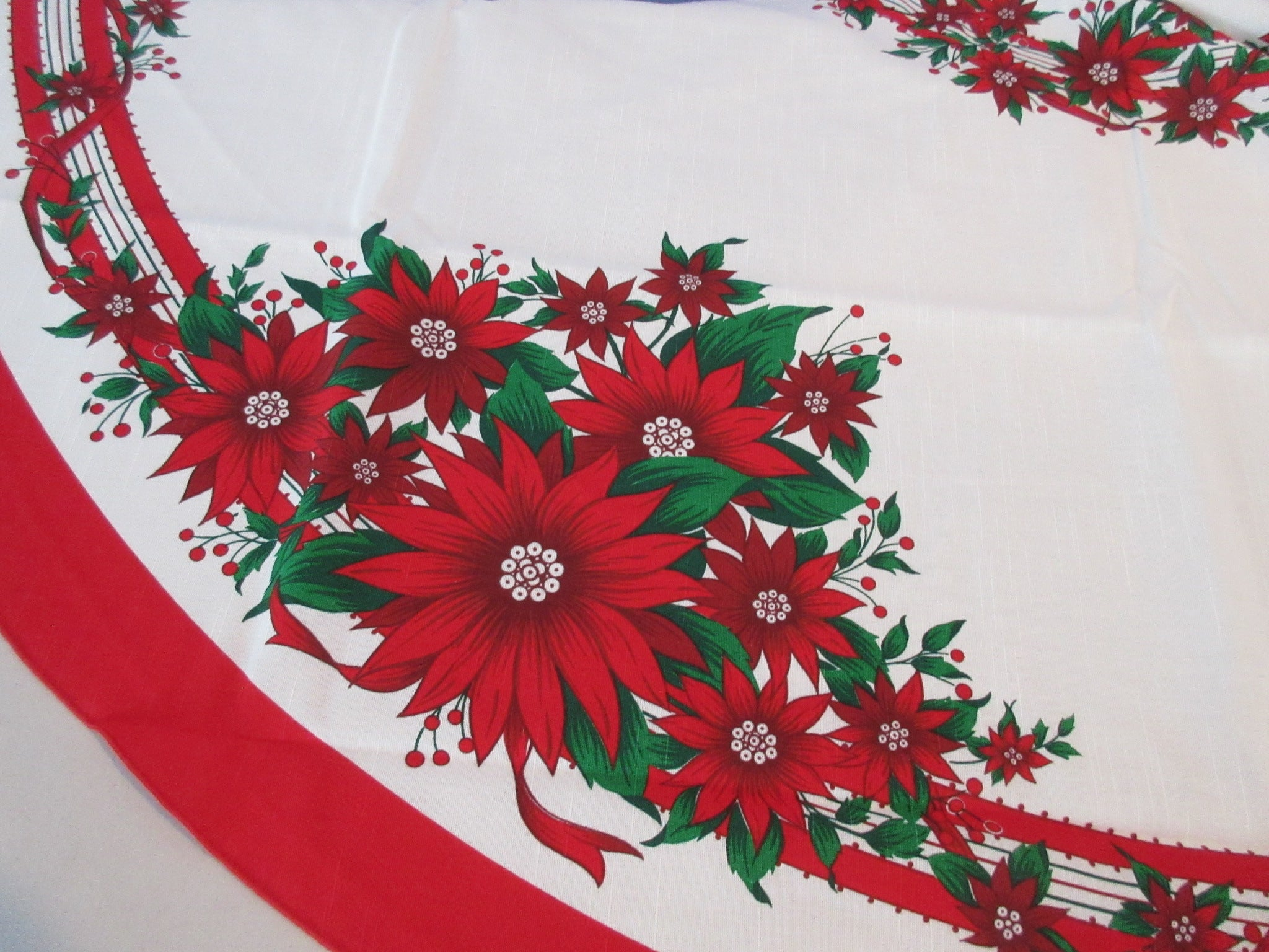 OVAL Christmas Poinsettias Ribbons NOS Novelty Vintage Printed Tablecloth (87 X 61)