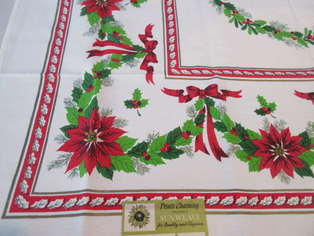 SQUARE RAYON Christmas Garlands NOS Novelty Vintage Printed Tablecloth (52 X 51)