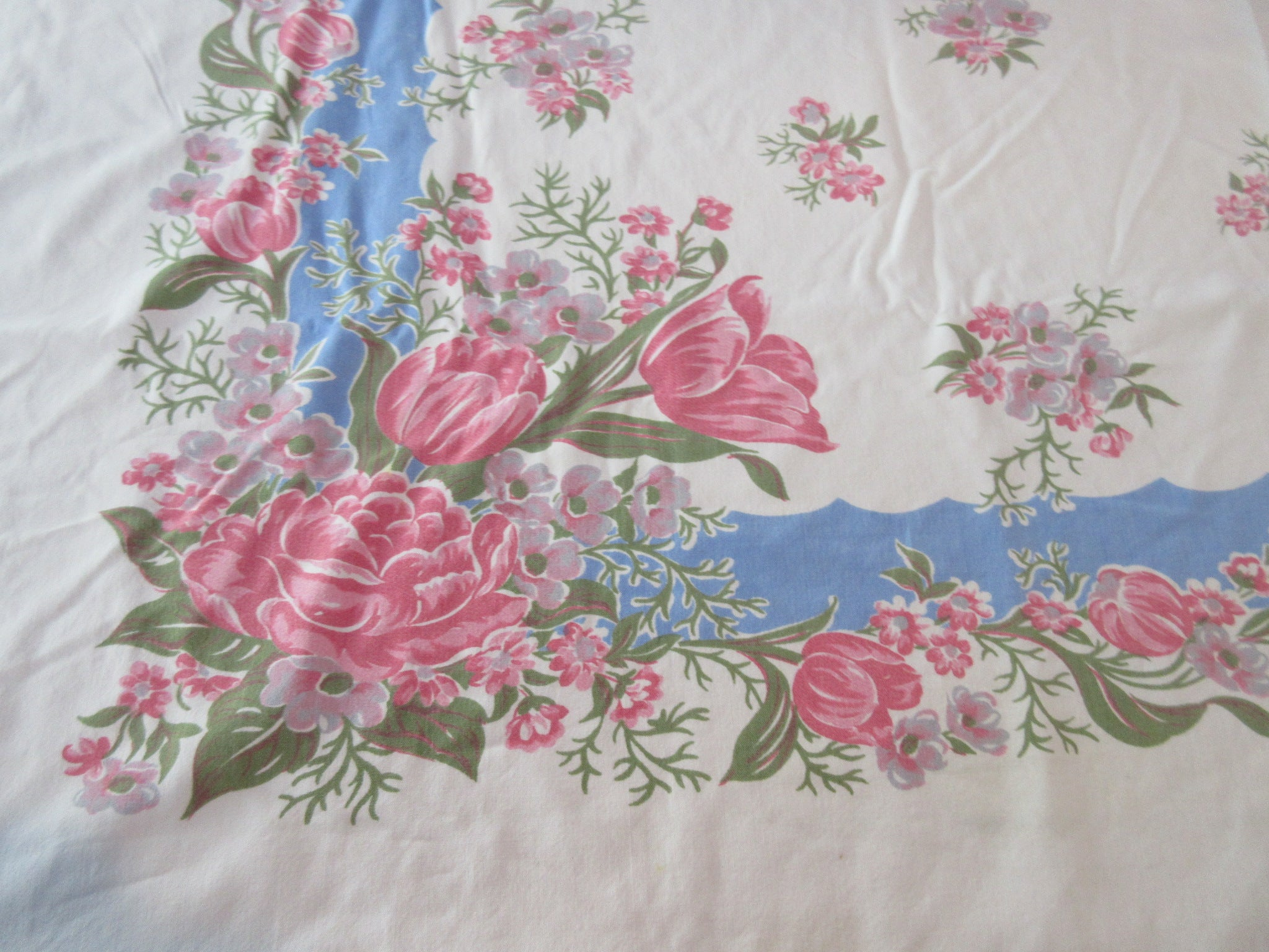 Shabby Blue Pink Floral Cutter Floral Vintage Printed Tablecloth (52 X 47)