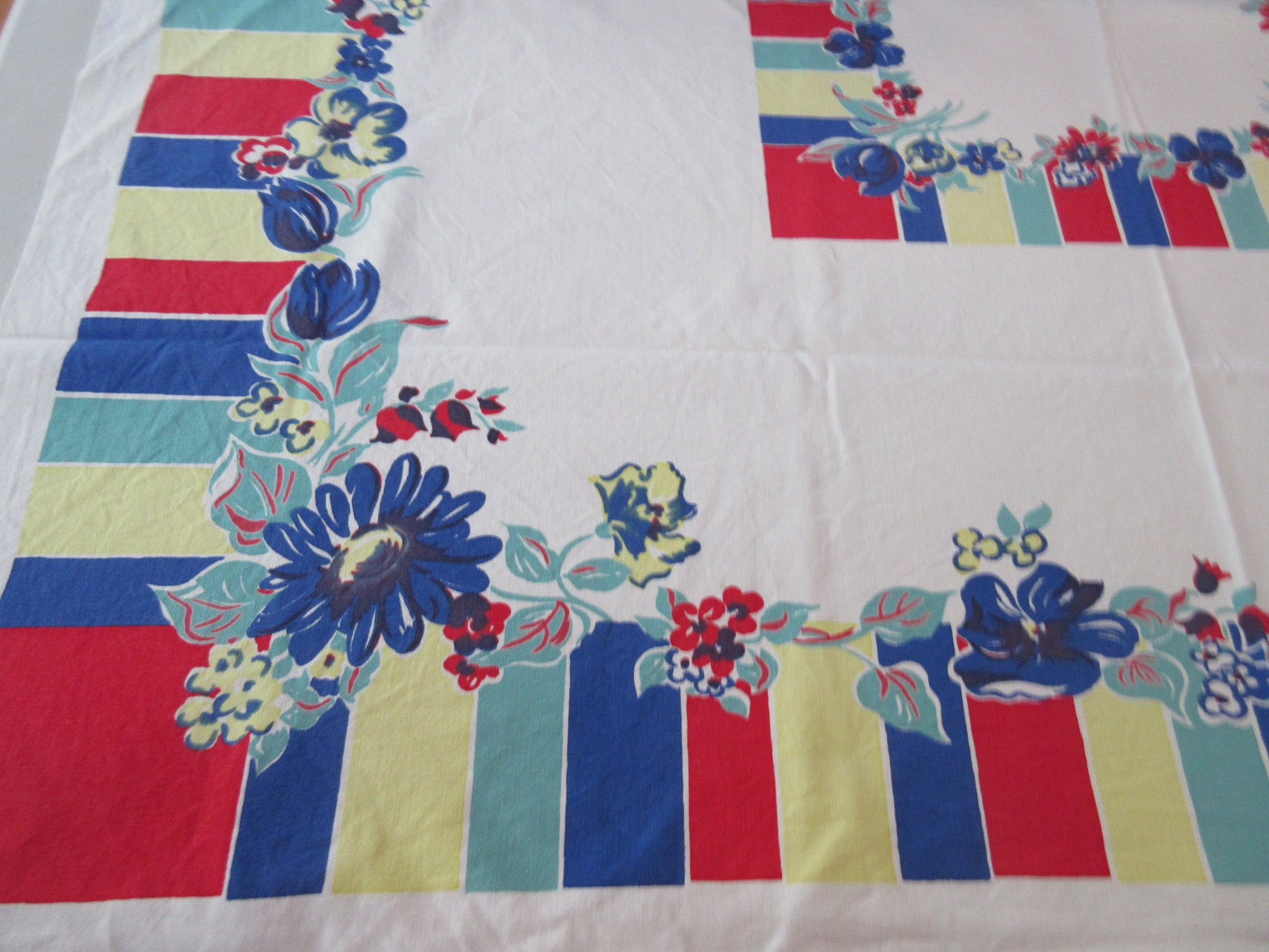 Red Blue Green Primary Color Blocks Cutter? Floral Vintage Printed Tablecloth (49 X 45)
