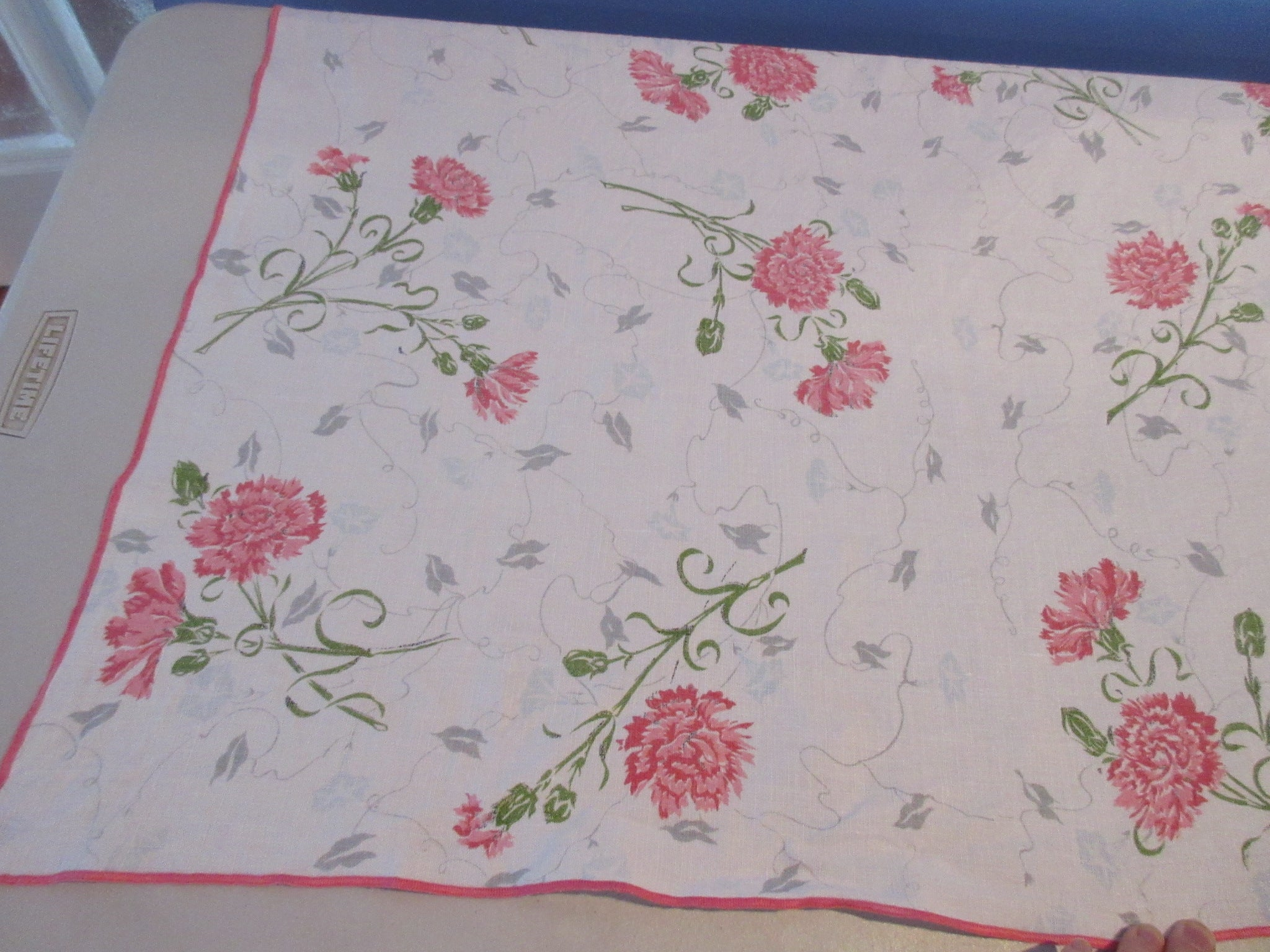 Shabby Pink Carnations Linen Array Floral Vintage Printed Tablecloth (66 X 51)