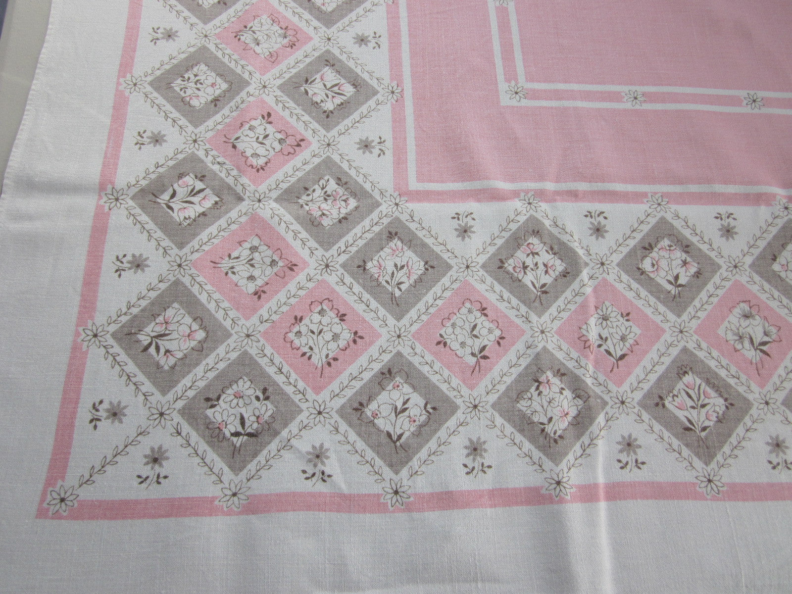Pink Tan Diamonds Linen Floral Vintage Printed Tablecloth (65 X 49)