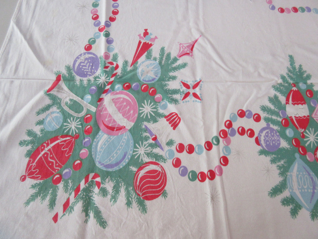 CUTTER Pastel Christmas Ornaments Vintage Printed Tablecloth (58 X 52)