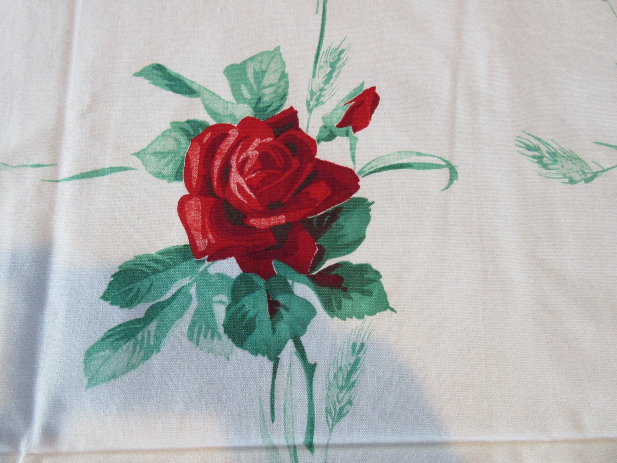 Wilendur Red Roses American Beauty NWOT Floral Vintage Printed Tablecloth (53 X 50)