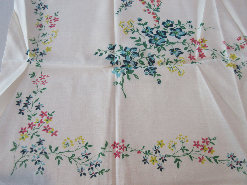 Leacock Delicate Floral Topper MWT Vintage Printed Tablecloth (37 X 34)