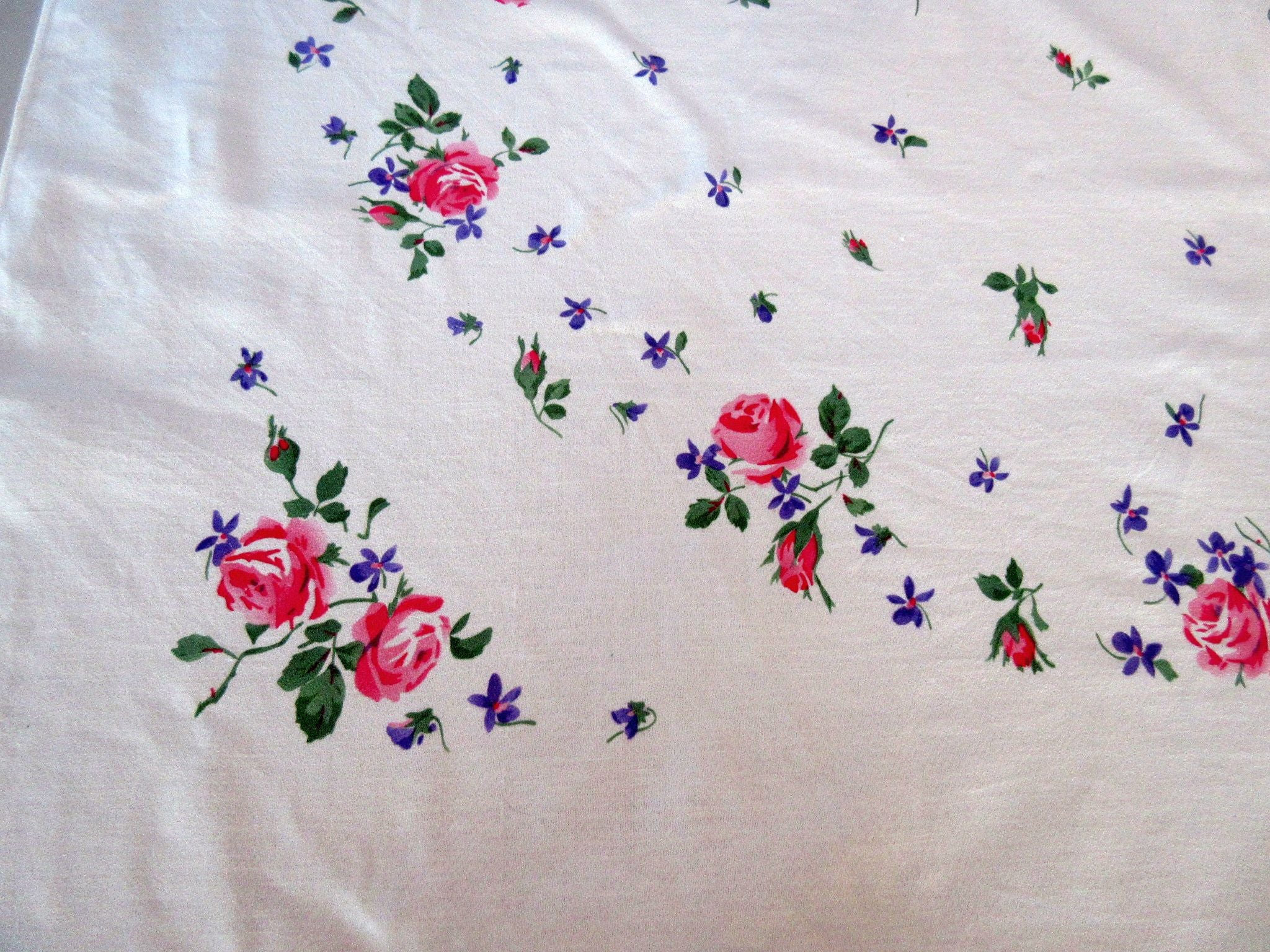 Sweet Pink Roses Purple Violets Floral Vintage Printed Tablecloth (57 X 50)