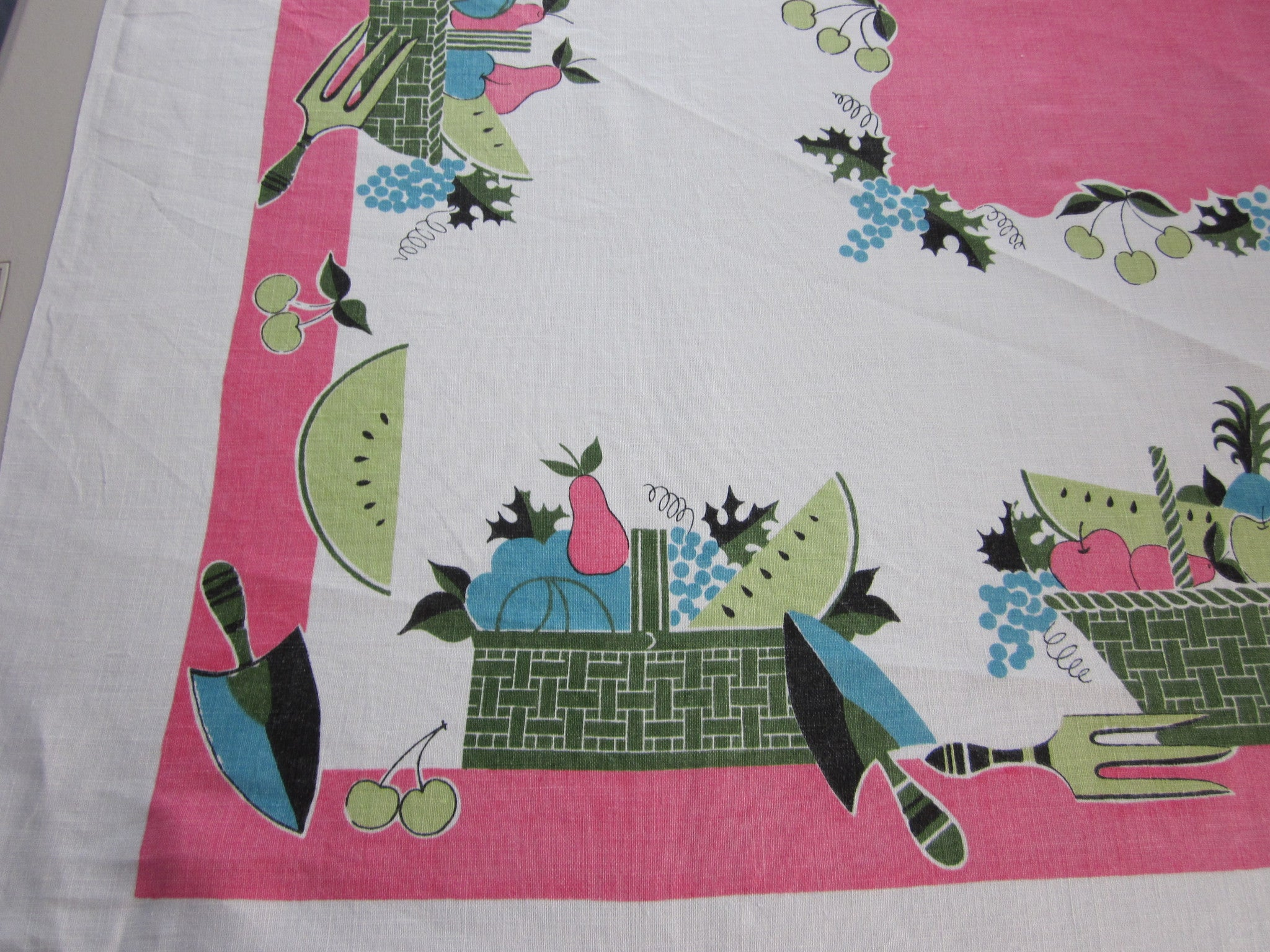 Funky Hot Pink Linen Gardening Novelty Vintage Printed Tablecloth (51 X 51)