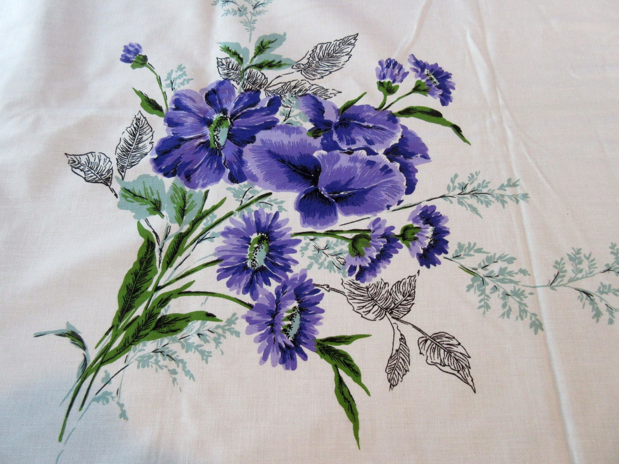 Purple Green Iris Sun Glo MWT Floral Vintage Printed Tablecloth (69 X 51)