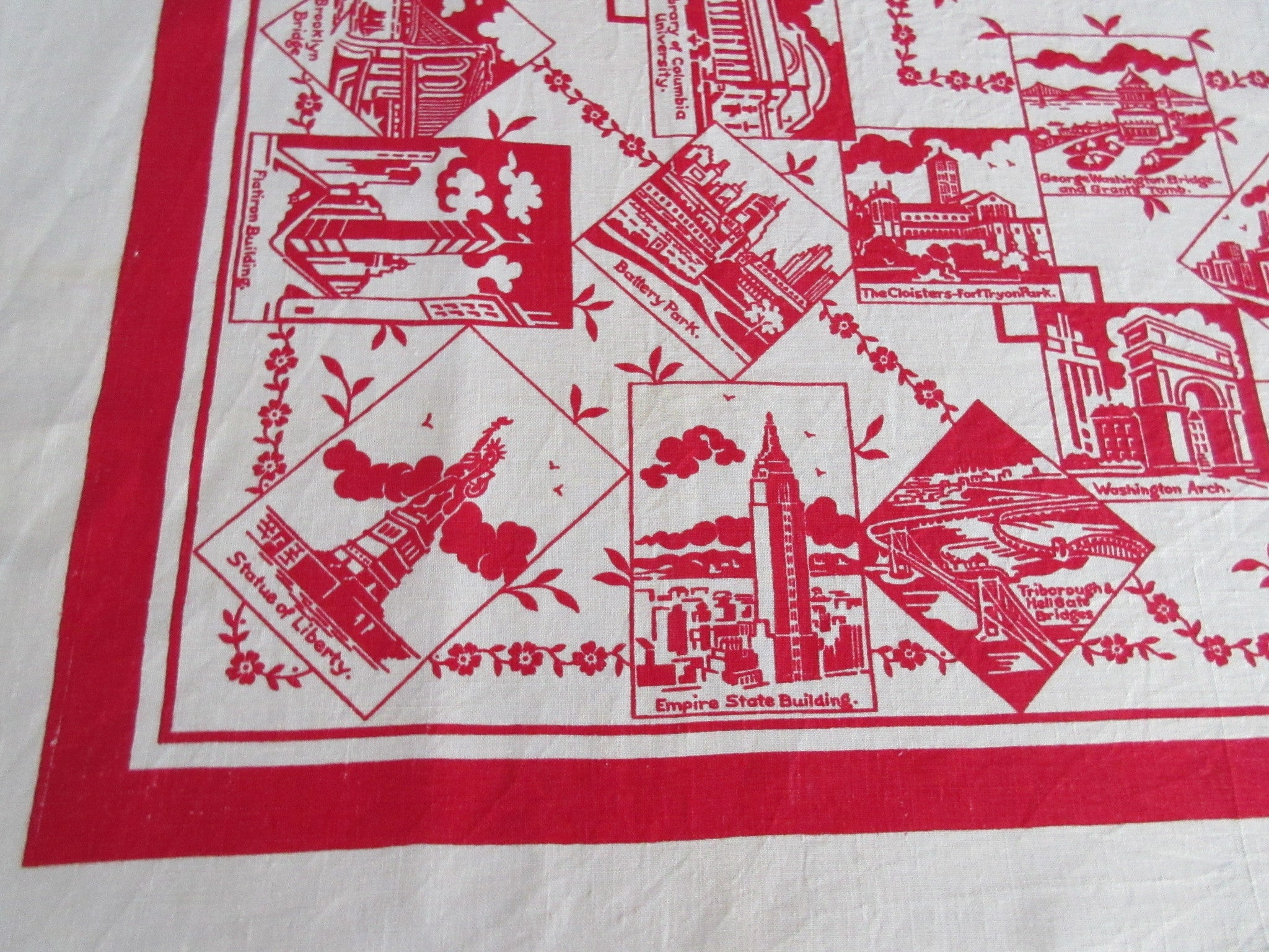HTF New York 1939 Landmarks Linen Novelty Souvenir Vintage Printed Tablecloth (50 X 50)