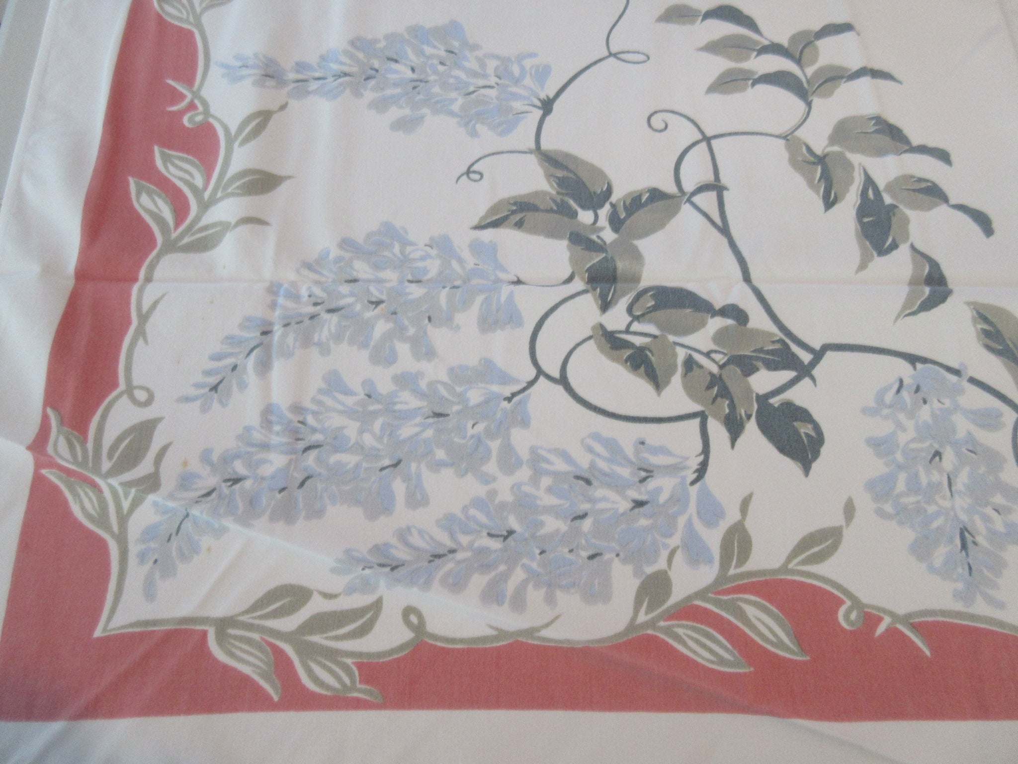 Blue Wisteria on Coral Cutter? Floral Vintage Printed Tablecloth (52 X 44)