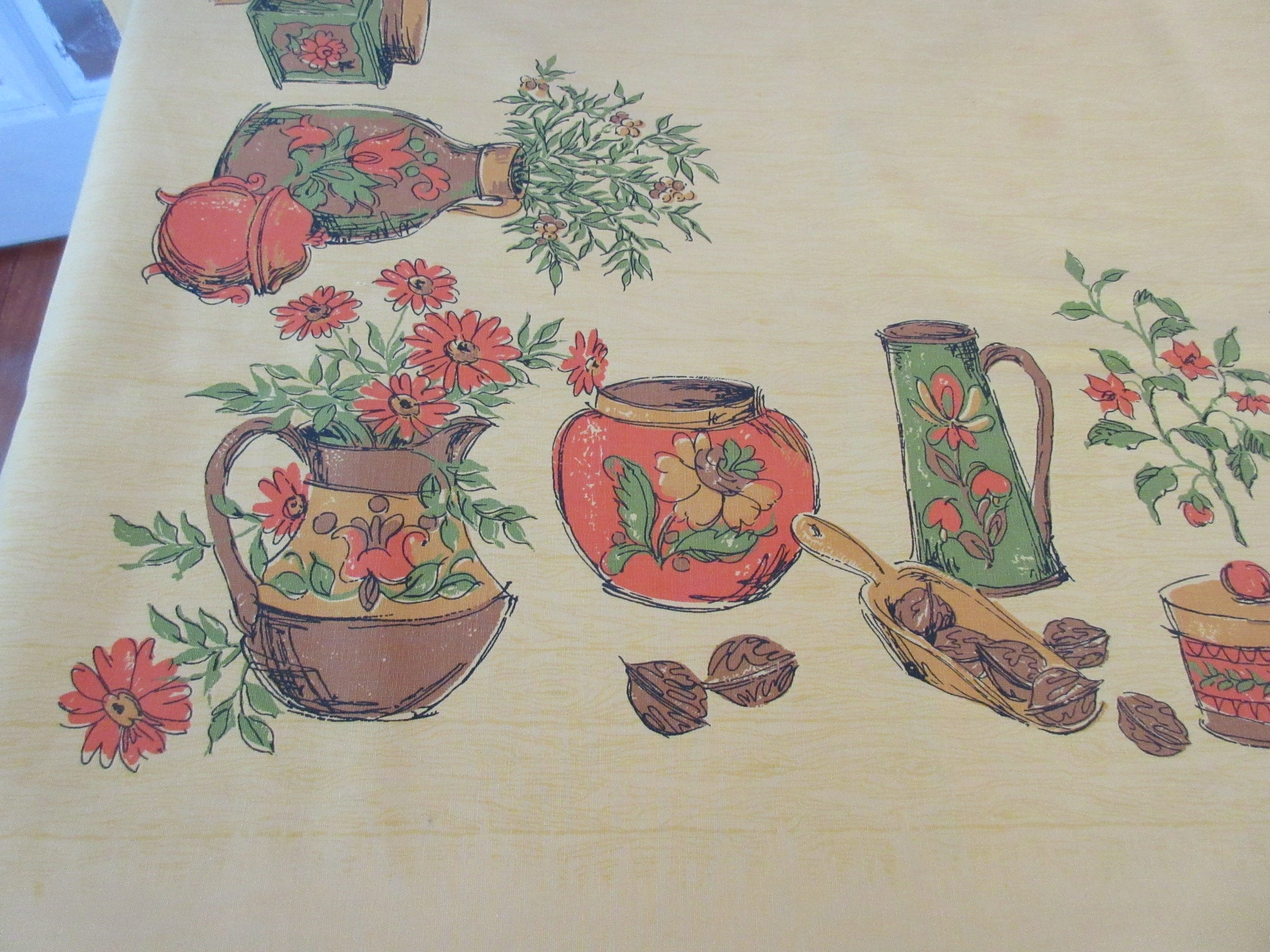 GOLD Colonial Stuff Cutter Novelty Floral Vintage Printed Tablecloth (70 X 50)