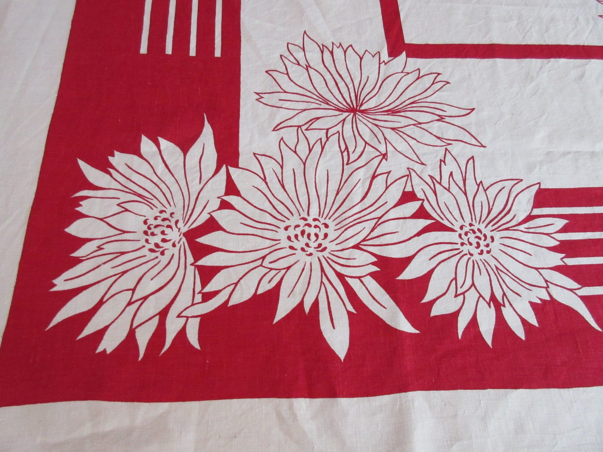 Red Daisies Linen NWT Napkins E/S Floral Vintage Printed Tablecloth (68 X 54)