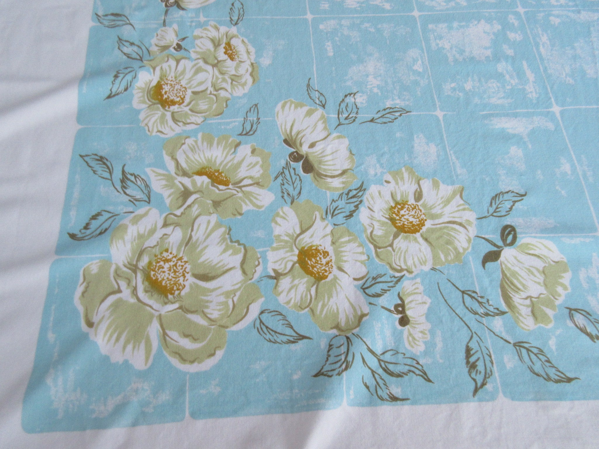 CHP Yellow Tan Wild Roses on Aqua Tiles Floral Vintage Printed Tablecloth (64 X 52)