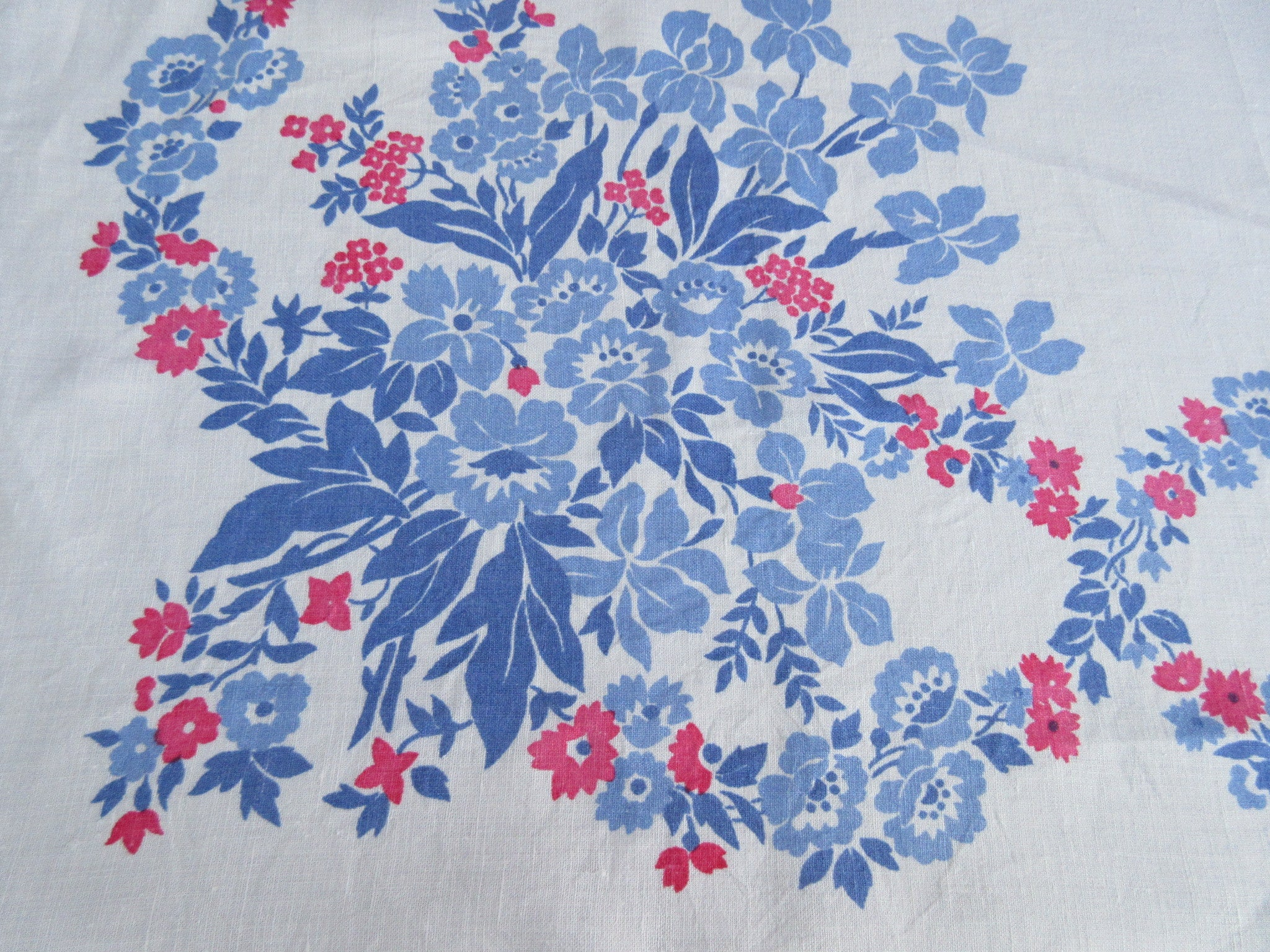 Sweet Pink Blue Iris Linen Floral Vintage Printed Tablecloth (52 X 51)