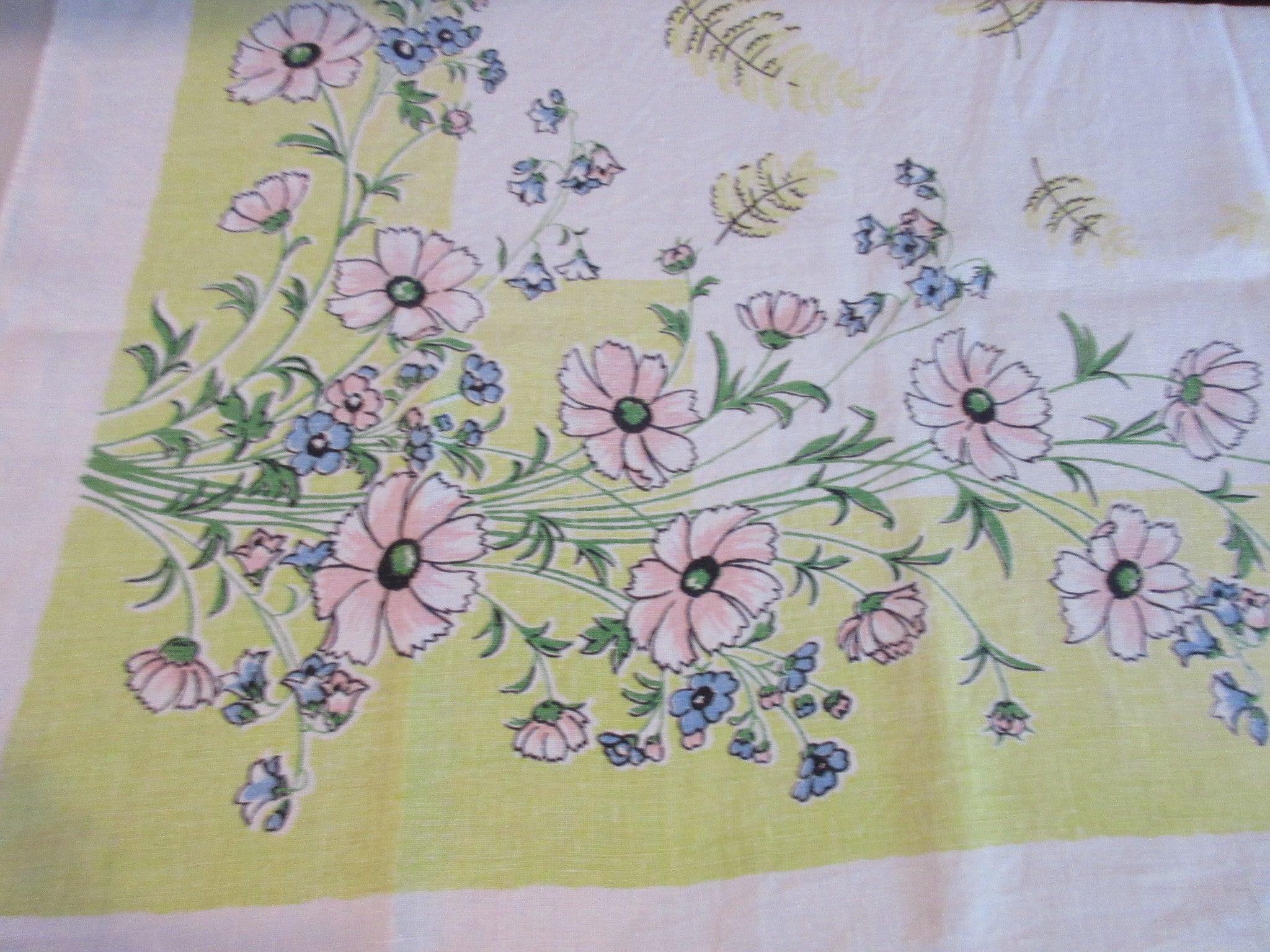 Faded Pink Daisies on Lime Linen Floral Vintage Printed Tablecloth (50 X 50)