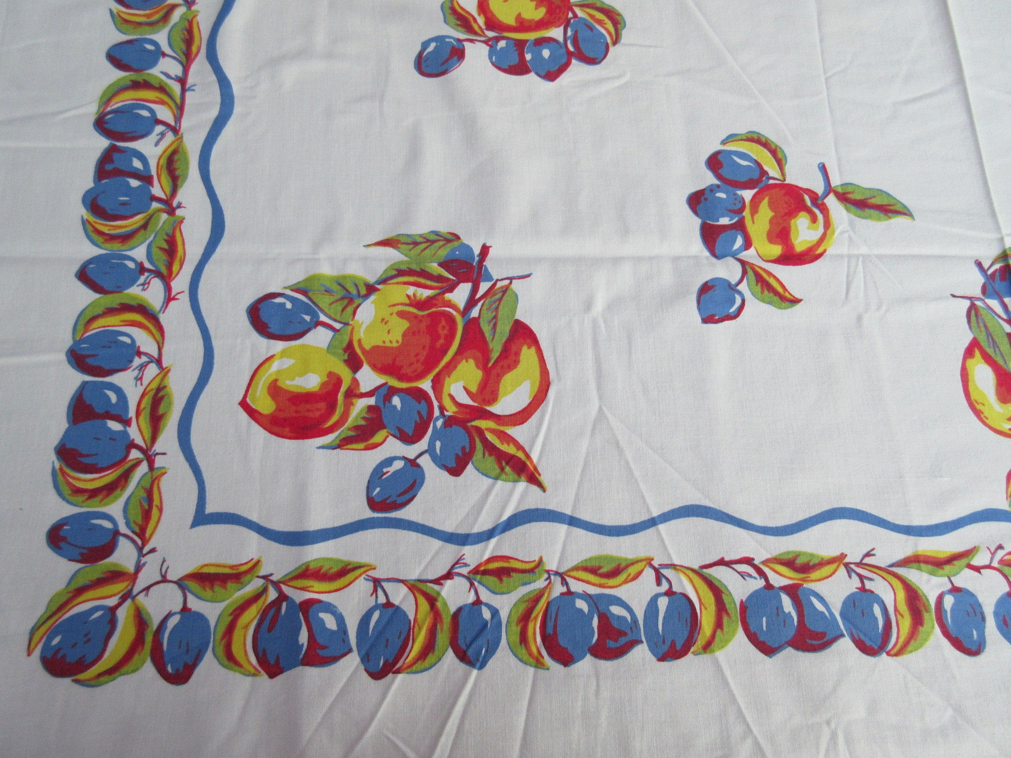 Primary Apples Plums Cutter? Fruit Vintage Printed Tablecloth (48 X 47)