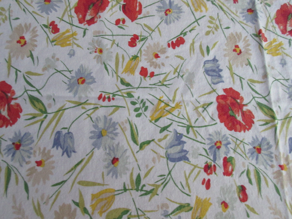 Red Gray Poppies Daisies Cutter Floral Vintage Printed Tablecloth (74 X 58)
